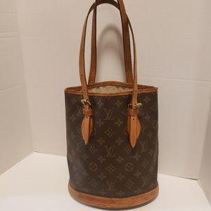 Louis Vuitton Bucket Handbag Tote